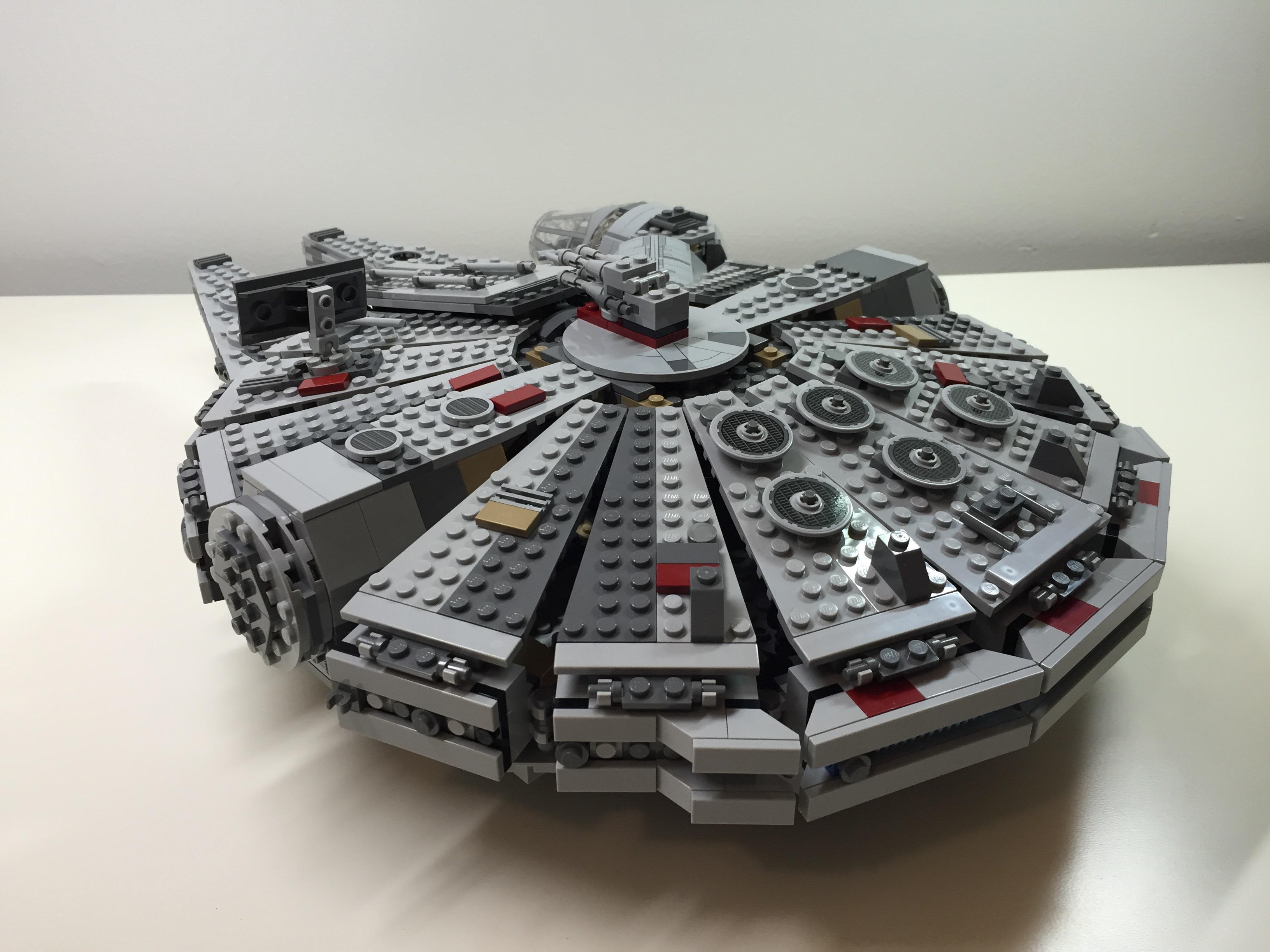 customized lego star wars millennium falcon 75105 from the force awakens dynamic subspace. Black Bedroom Furniture Sets. Home Design Ideas