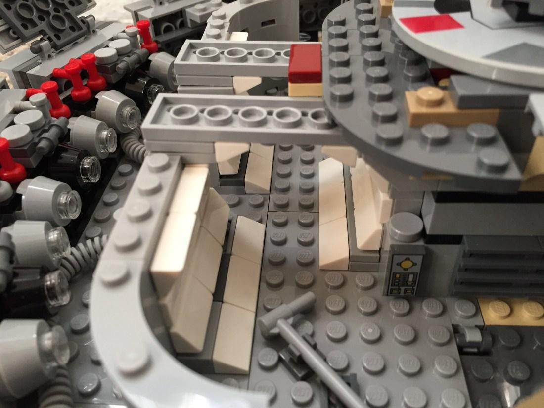 Millennium-Falcon-aft-passageway.jpg